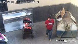 VIDEO: Captan a un hombre tirando a su bebé en un contenedor de basura