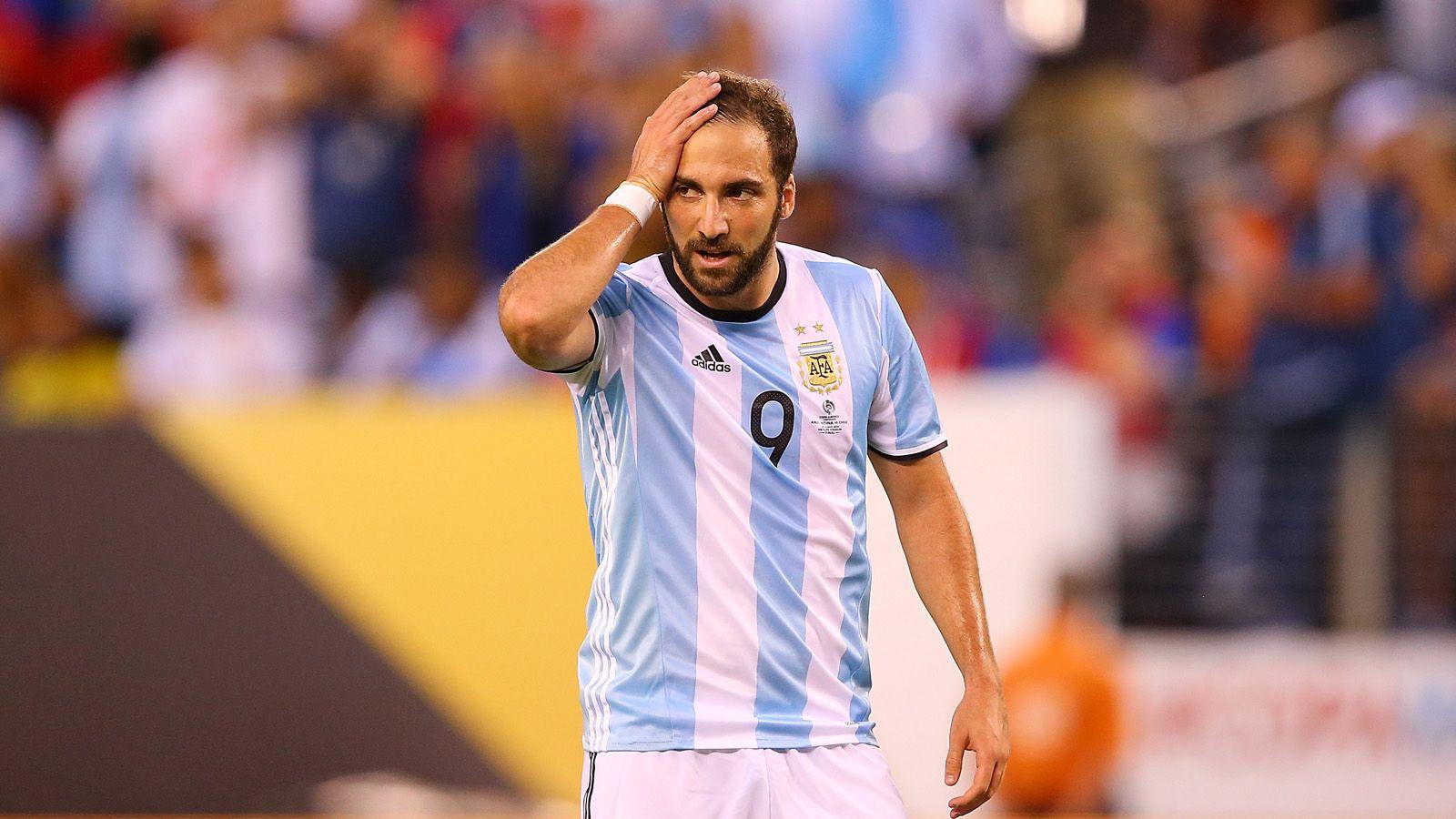 La reunión más esperada: Sampaoli visitó a Gonzalo Higuaín, que podría volver a la Selección