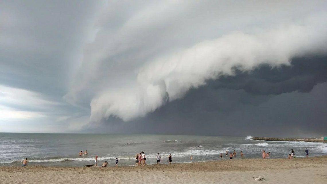 Un temporal en Mar del Plata mandó a todos los turistas a sus casas