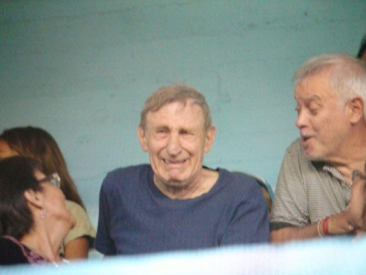 Con su hermano en la cancha y su padre llorando en la tribuna, se despidió del fútbol Pablo Aimar