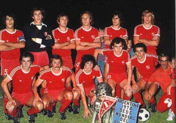 Formación de Independiente campeón del Nacional 1977<br>