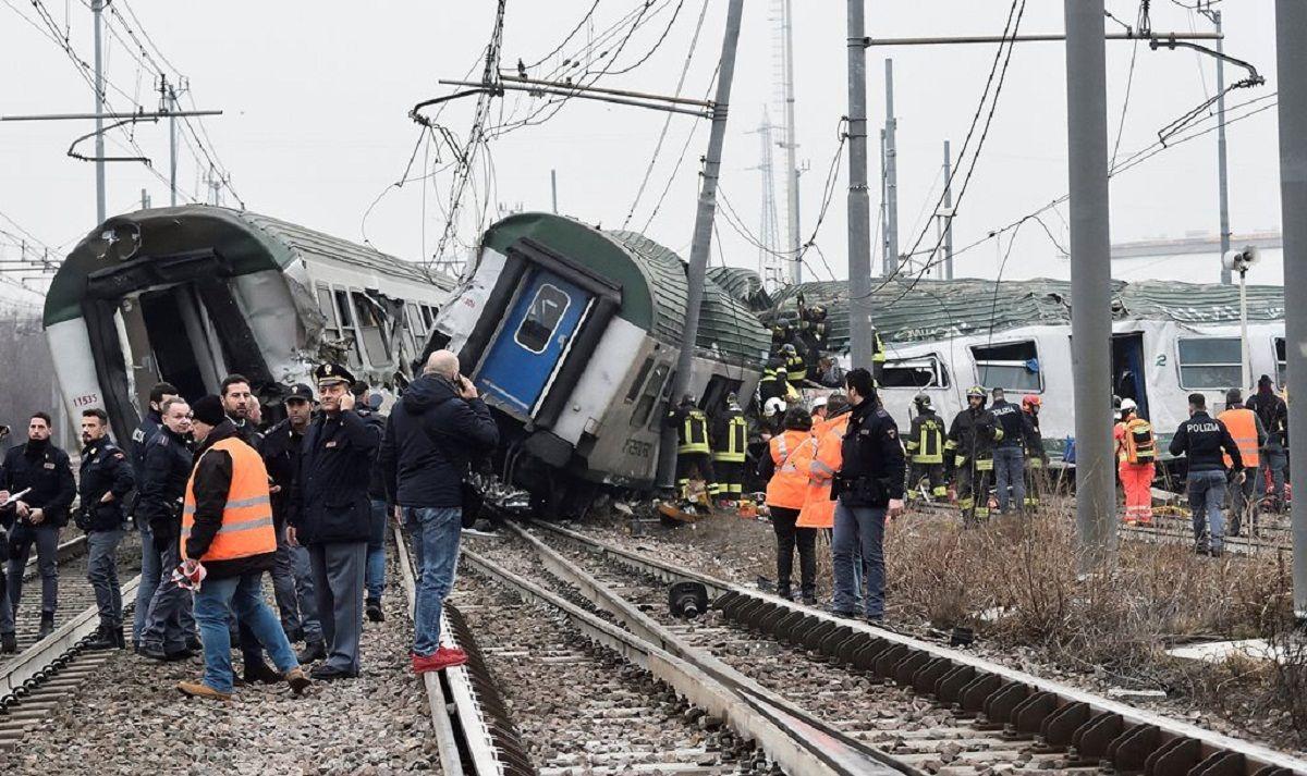 Así quedó la formación ferroviaria descarrilada en Milán