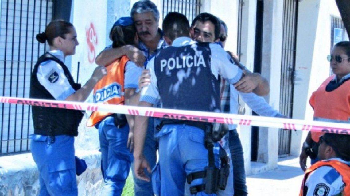 Policías se mostraban acongojados por la muerte de su colega
