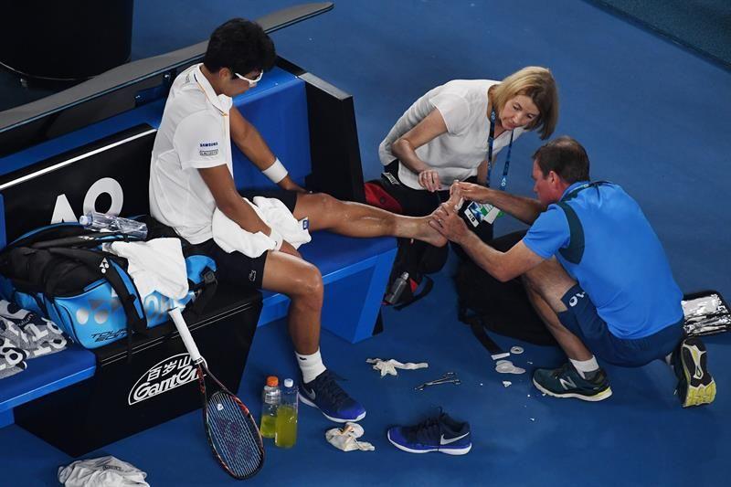 Federer ganó por abandono y definirá Australia ante Cilic: ¿cuándo se juega la final?