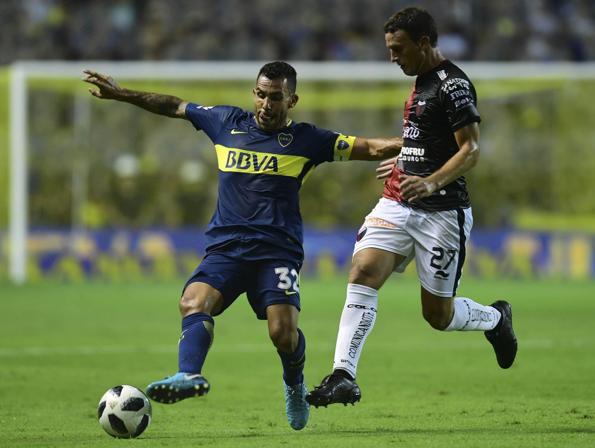 En la vuelta de Tevez, Boca derrotó a Colón y amplió su ventaja en la Superliga