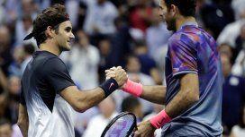 El saludo de Del Potro a Federer tras la final de Australia