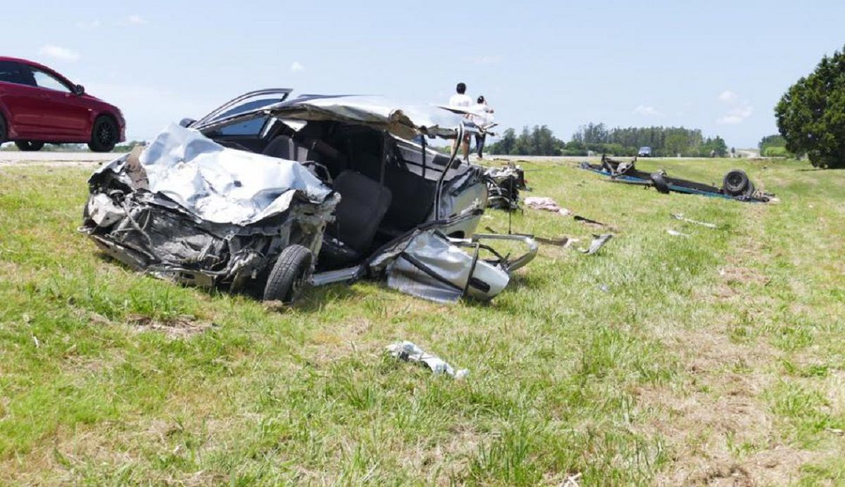 Tragedia en Uruguay: murieron ocho personas por un choque frontal en la ruta