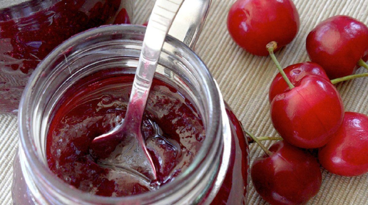Prohíben la venta de una mermelada de cereza