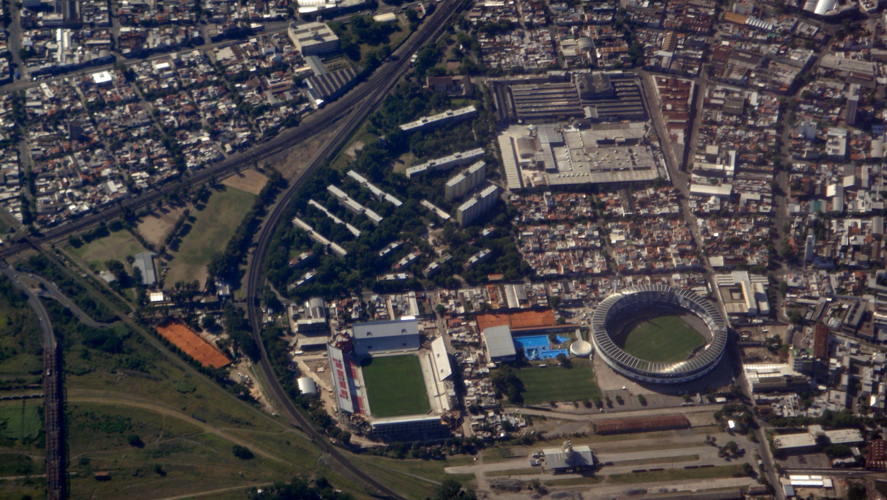 Los estadios de Independiente y Racing