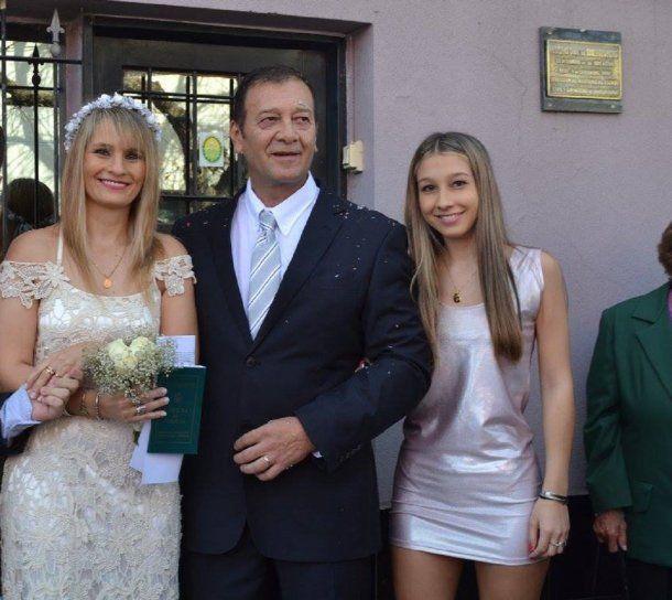 <p>Yamina Kroh, Marcelo Galarza y Nahir Galarza</p>