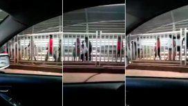 VIDEO: Les apuntaron con un arma y les robaron en plena senda peatonal
