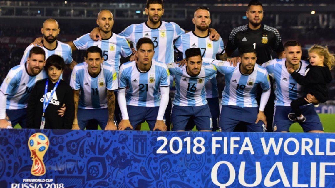 Acosta fue titular en el duelo ante Venezuela por Eliminatorias