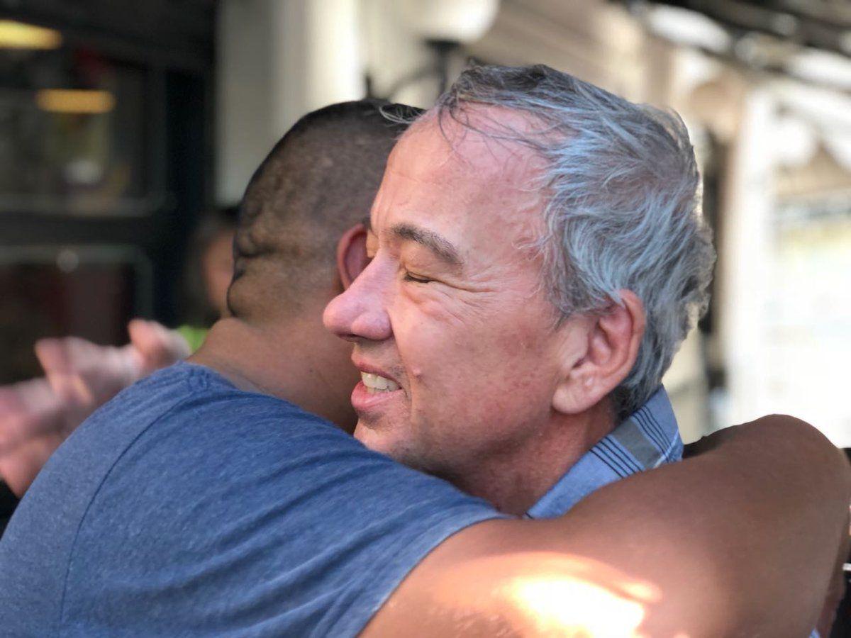 Chocobar junto al turista estadounidense que fue apuñalado