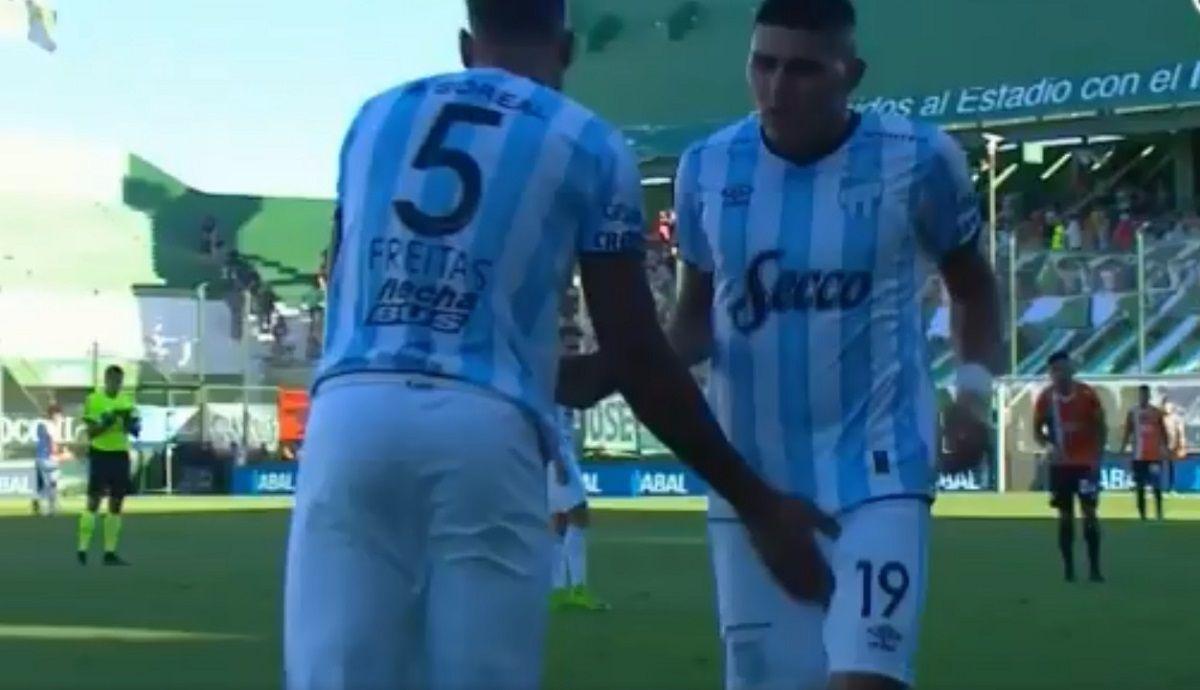 Freitas manoseó a Barbona cuando lo reemplazaba
