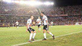 Gol de Scocco - Crédito:@CARPoficial