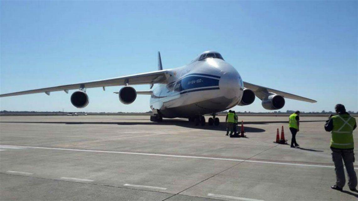 El avión ruso Antónov An-124 dejará la búsqueda del ARA San Juan.
