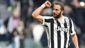 ¿Es el 9 de la Selección? Higuaín anotó su primer triplete en la Juventus