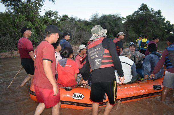El Comité de Emergencia brindando contención y asistencia a los afectados por la crecida del río Pilcomayo