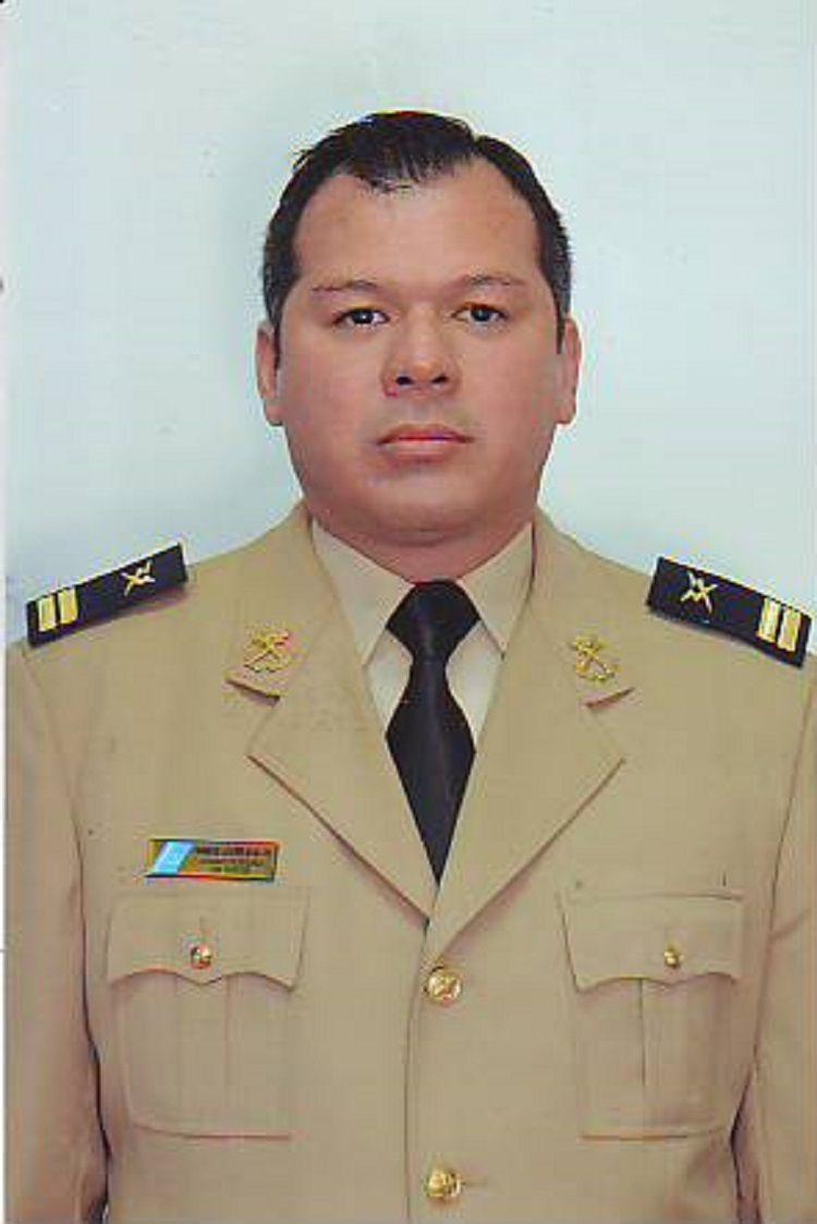 Ramón Javier Ávalos con su uniforme