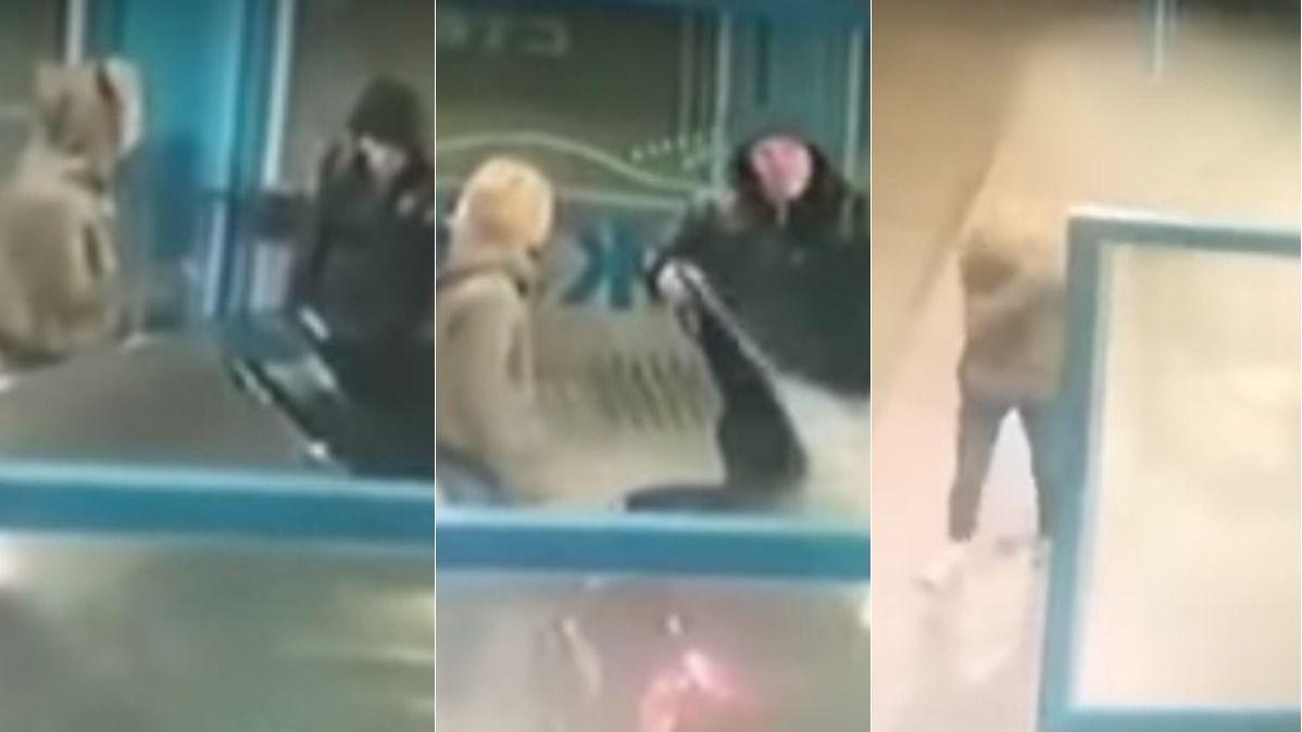 VIDEO: Atacó a su pareja con chorros de agua para terminar con la discusión