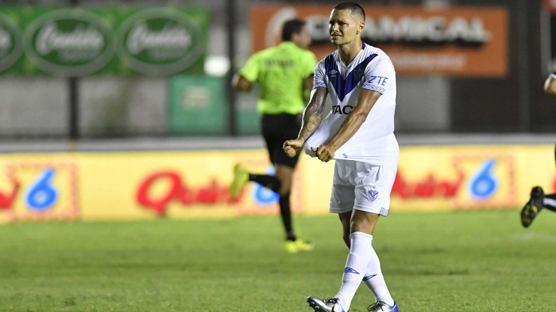 Mauro Zárate volvió a Vélez con una derrota