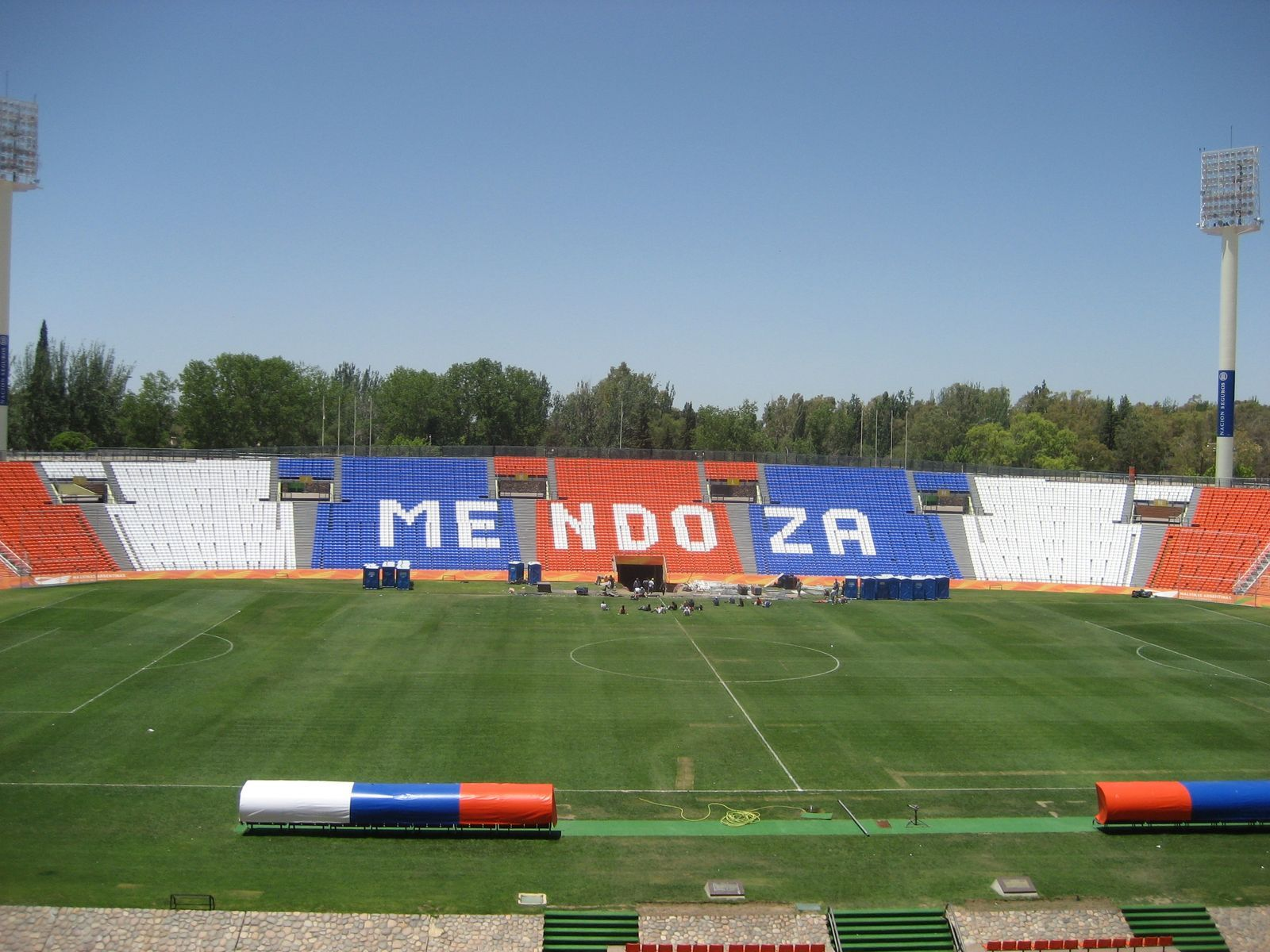 Boca y River, unidos por la bronca: ¿cuánto les saldrá viajar a Mendoza para la final?