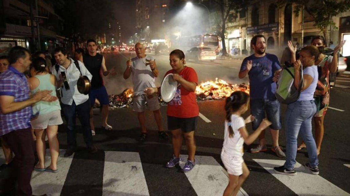En medio de la ola de calor, miles de usuarios están sin luz en la Ciudad y GBA
