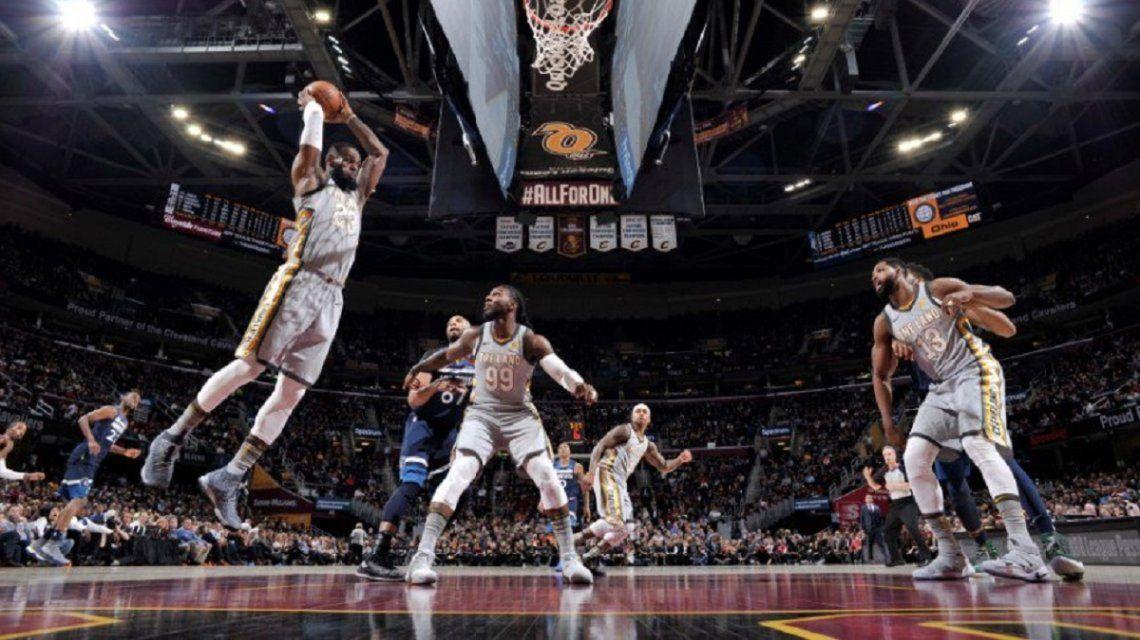 LeBron James encestando ante los Timberwolves