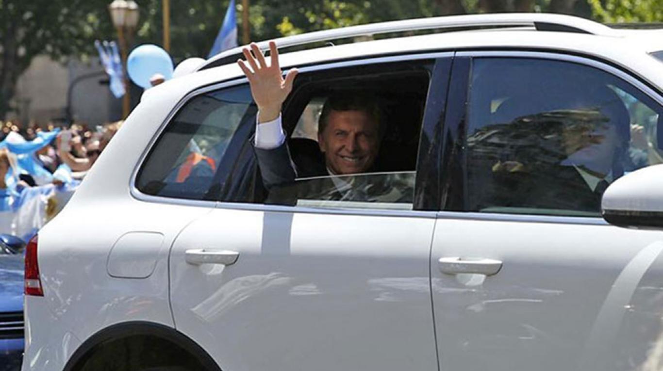 Mauricio Macri tiene una VW Touareg blindada a su disposición
