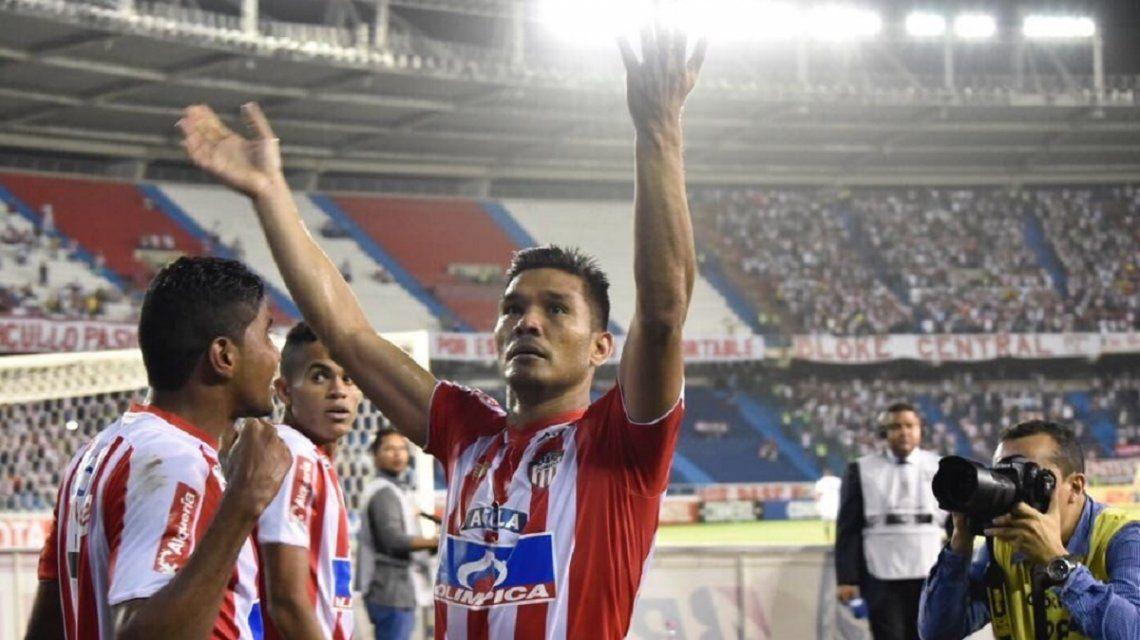 Teófilo Gutiérrez celebra el pase de Junior de Barranquilla