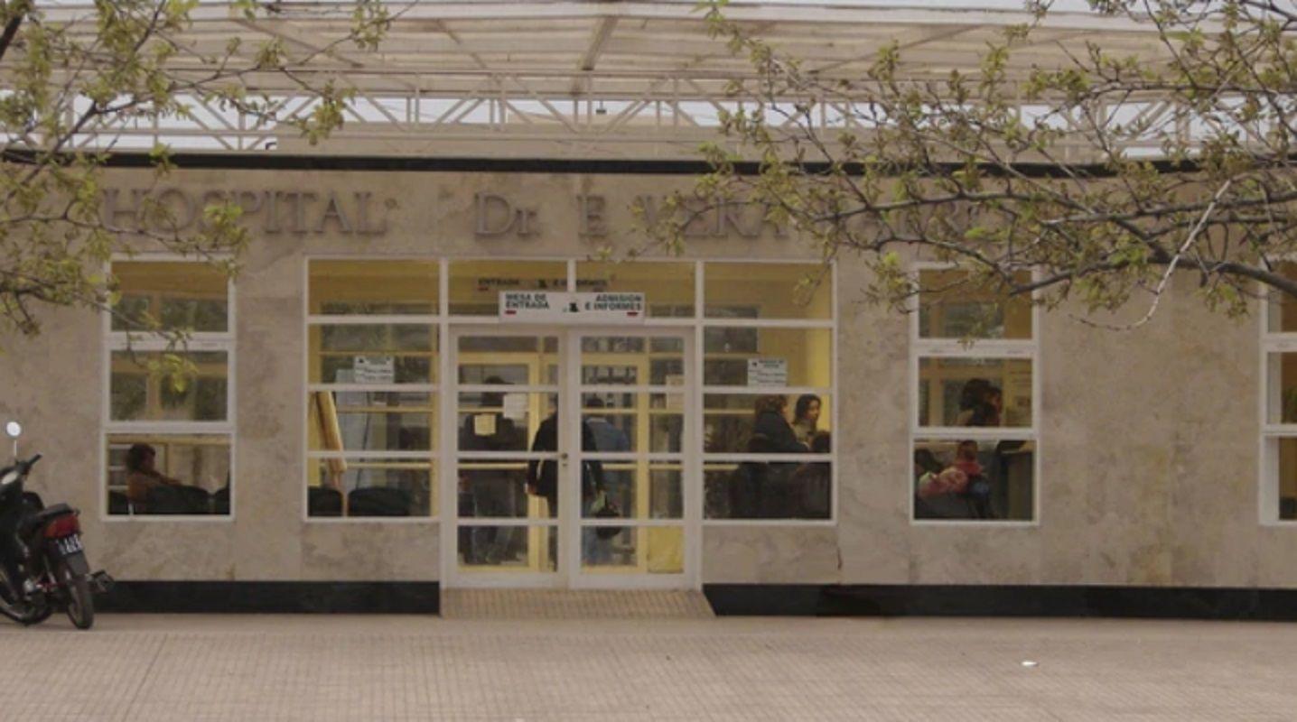 El Hospital Enrique Vera Barros donde llevaron a los aspirantes a policía.