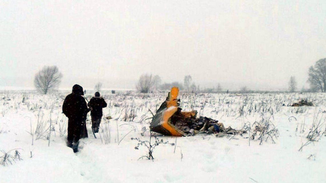 Restos del avión AN-148 de la aerolínea rusa Saratov Airlines.