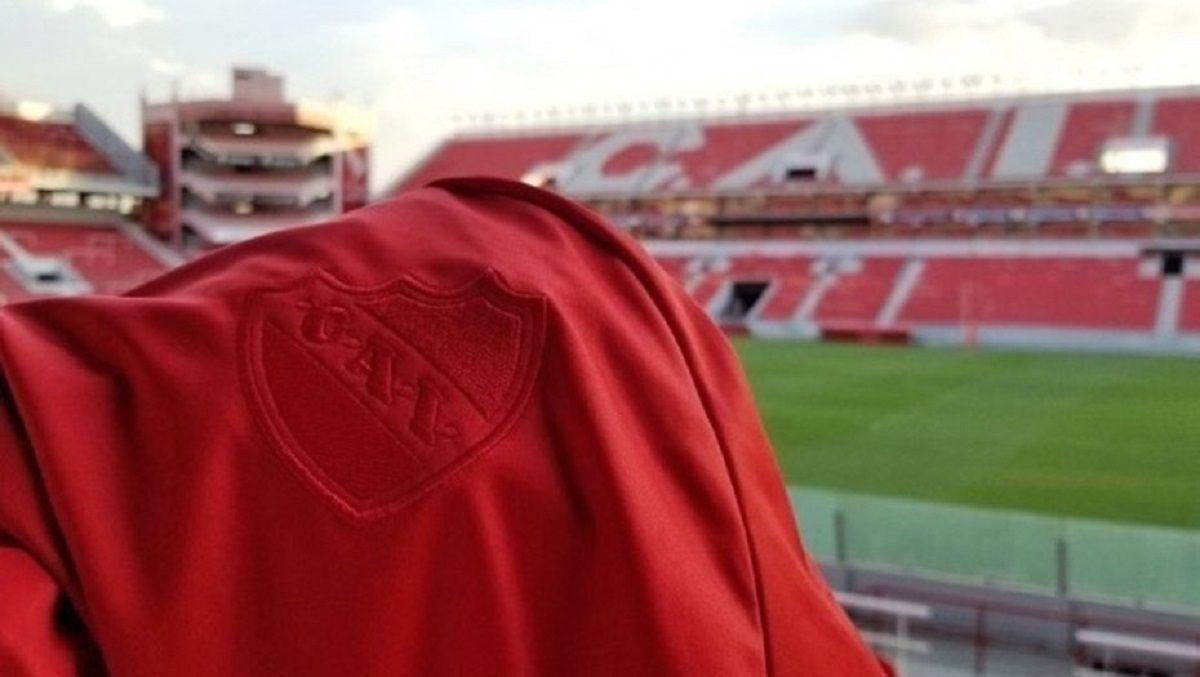 La camiseta de Independiente para la Recopa - Crédito: Marca de Gol