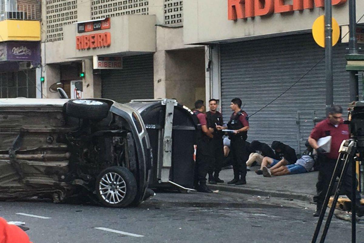 Así quedaron detenidos los delincuentes del auto