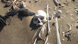 Los esqueletos encontrados en Playa Colombo datan de hace 3 mil años