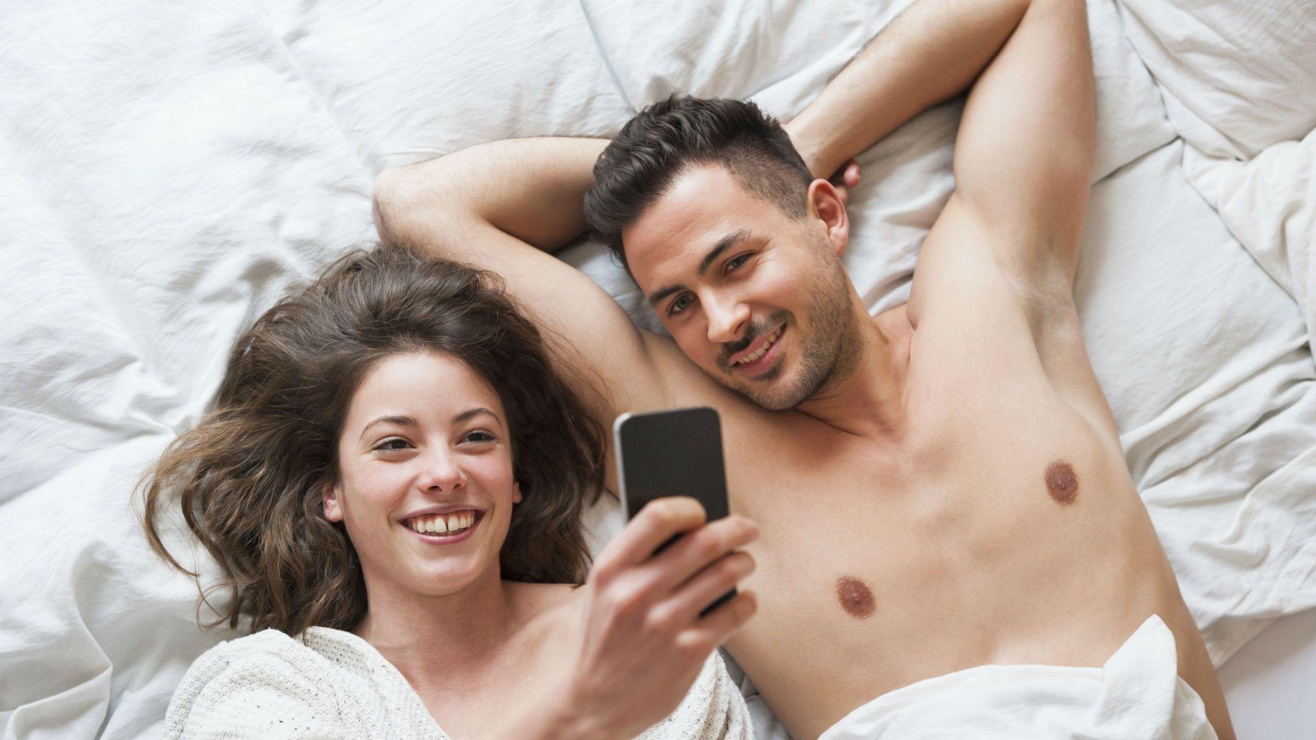 Los cinco consejos clave para sacarte una buena selfie con tu pareja en San Valentín