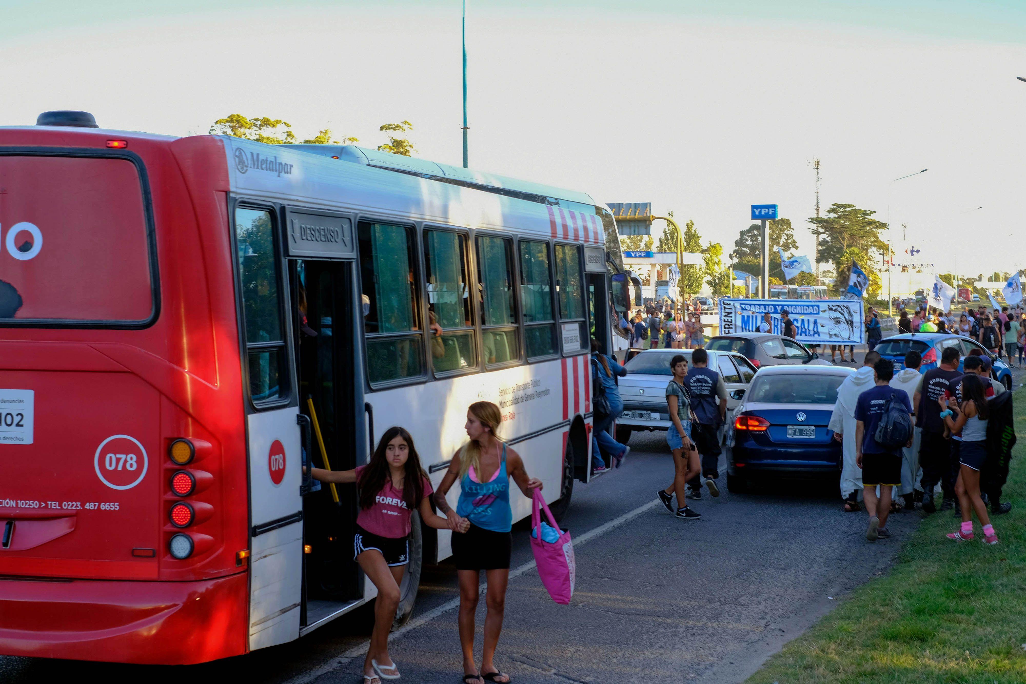 Cortaron totalmente la Autovía 2 y volver de Mar del Plata a Buenos Aires fue un caos