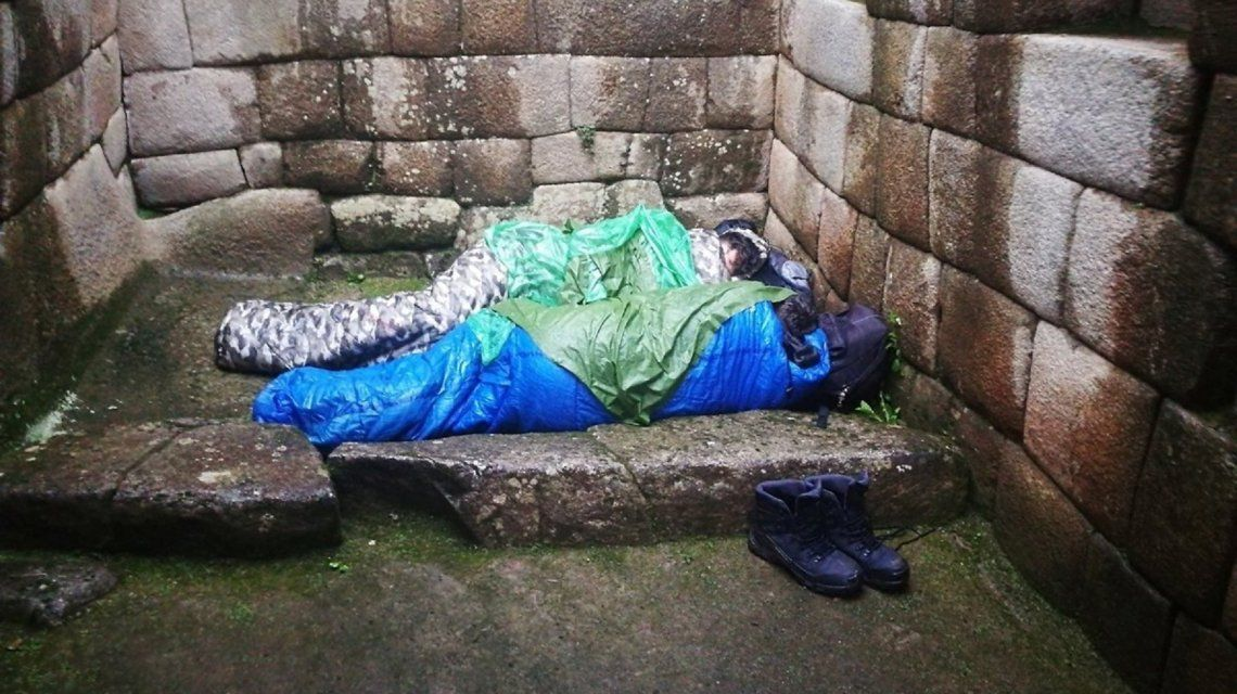 Perú: dos argentinos se quedaron a dormir en Machu Picchu y los expulsaron