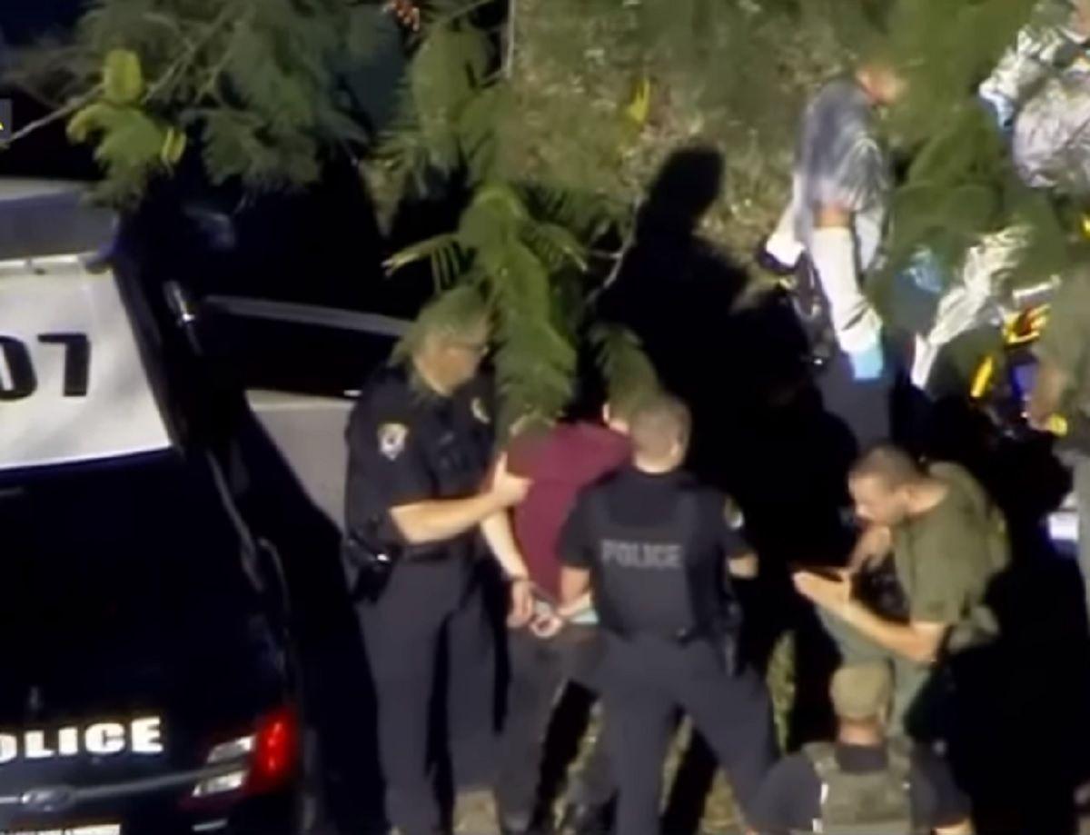 La policía detiene al agresor del tiroteo en Florida.