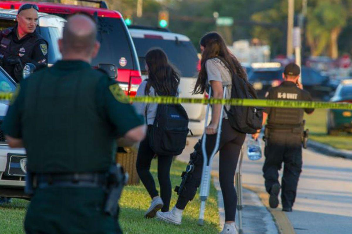 Hay al menos 17 muertos y más de 20 heridos