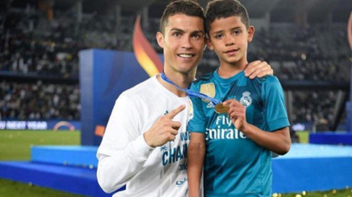Cristiano Ronaldo y su hijo - Crédito: Instagramcristiano