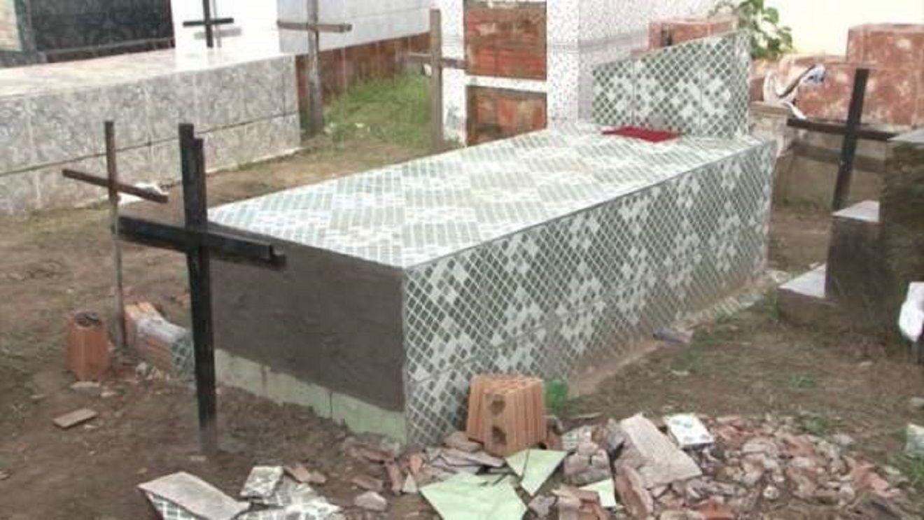 La tumba en la que estaba enterrada Rosangela Almeida (Globo G1)