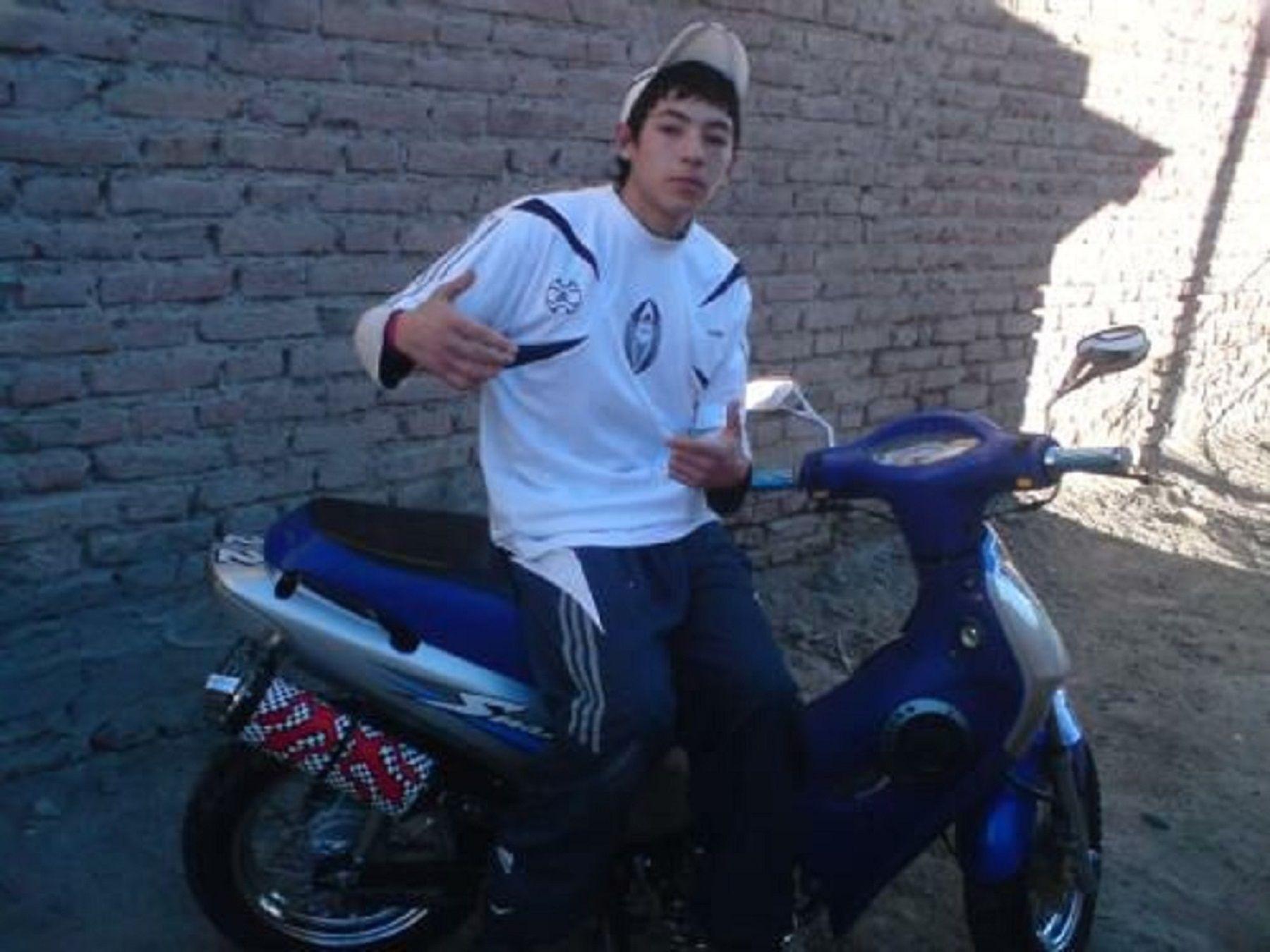 Insólito: un motochorro se ofrece en Facebook para que quedes como valiente con tu pareja