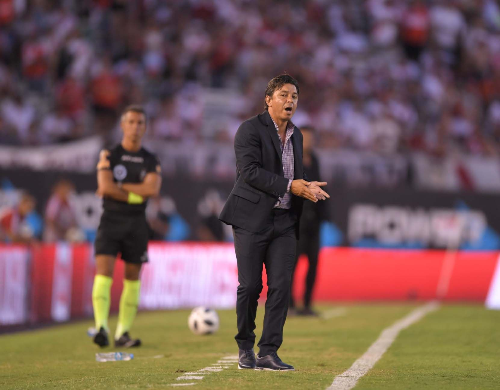 Marcelo Gallardo enfurecido con Jorge Baliño