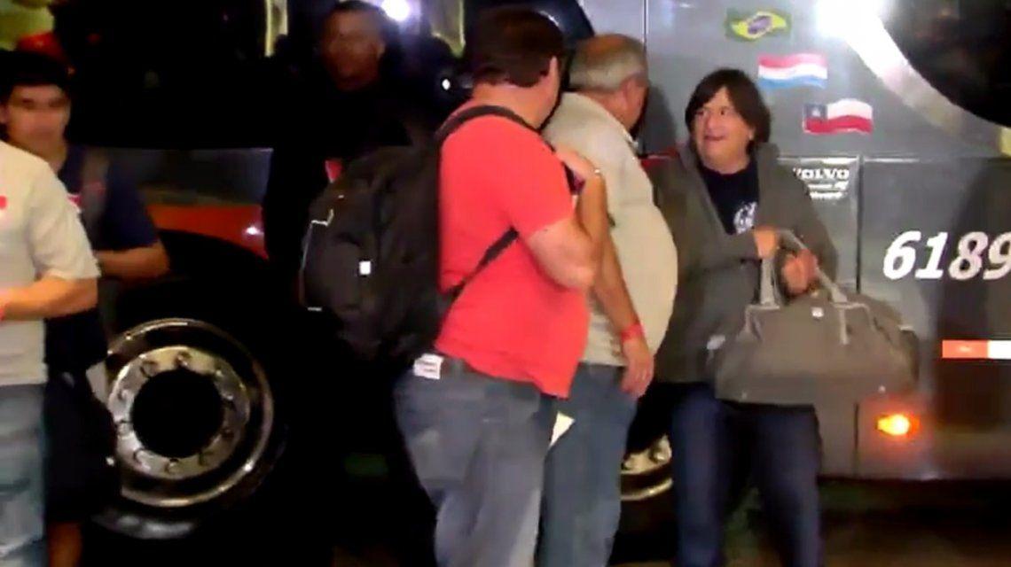 El Brujo Manuel de Gorina llegando al hotel en Porto Alegre