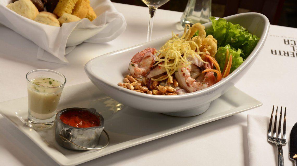 Un paseo histórico por San Telmo junto a la mejor comida peruana