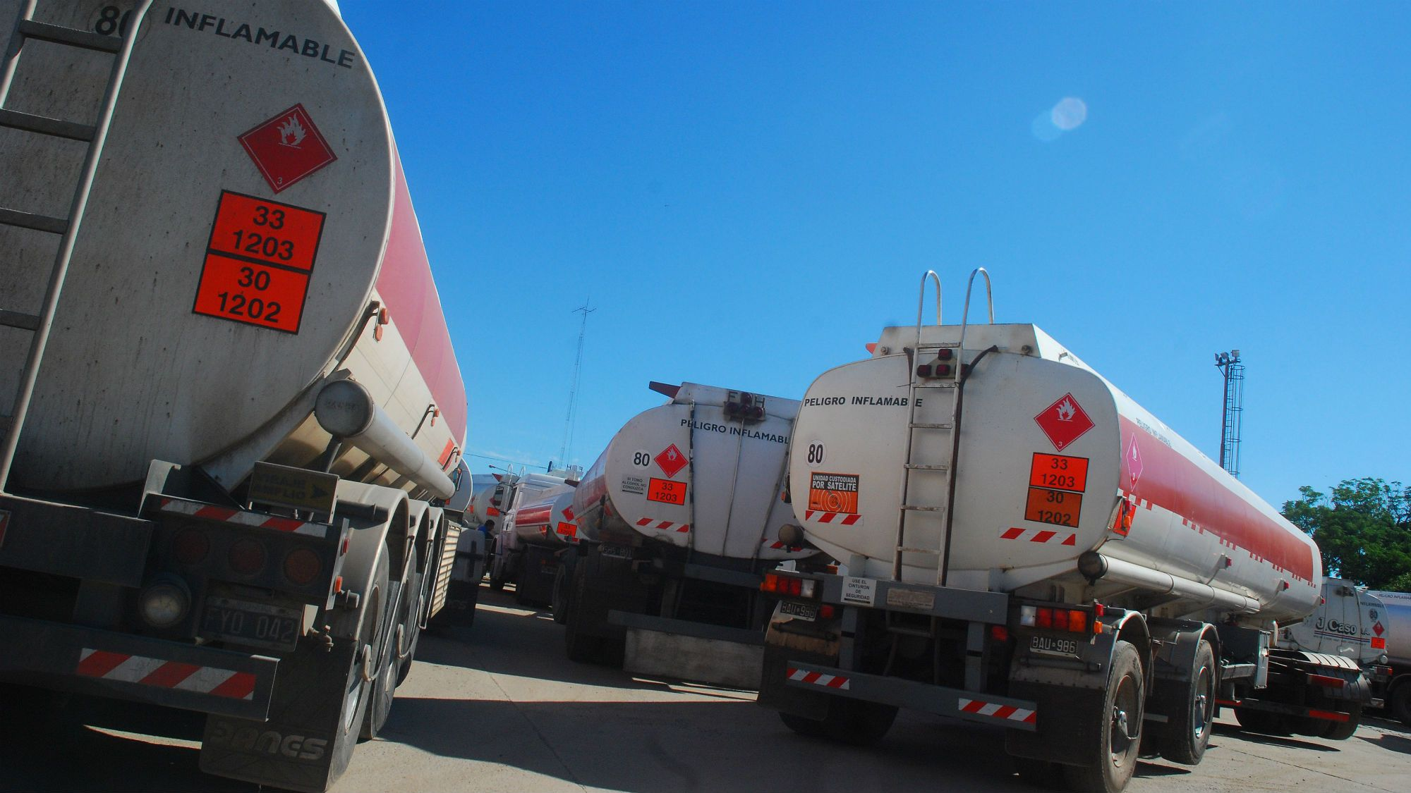 La rama combustibles de Camioneros trabajará a reglamento este miércoles