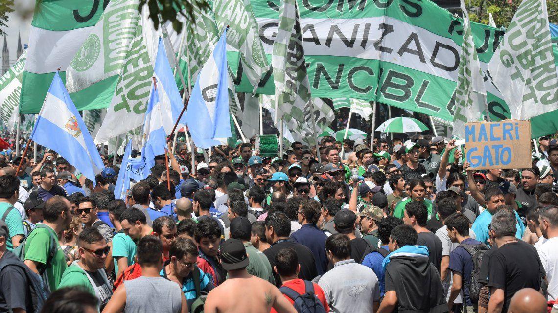 La marcha contra las políticas de Macri se movió al ritmo de Maluma