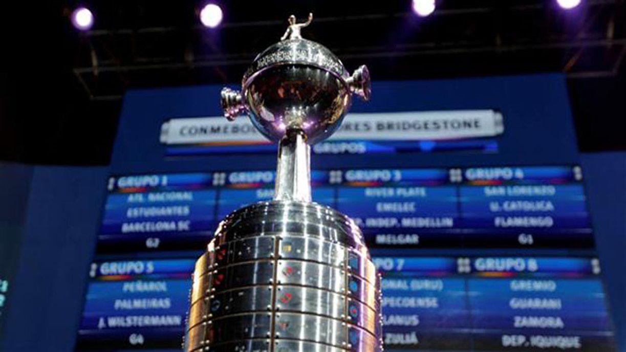 Se realizó el simulacro del sorteo de la Libertadores: ¿qué equipos les tocaron a Boca y River?