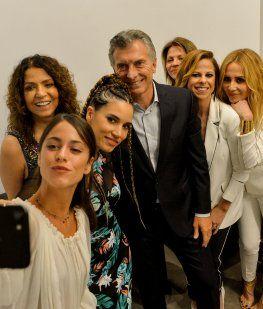 Macri recibió a Tini Stoessel, Marta Sánchez y a otras cantantes